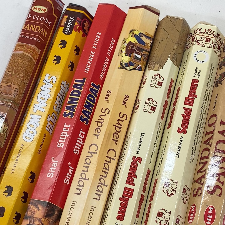 サンダルウッドのアソートを販売始めたのですが、結構売れるようになってきました。白檀好きにはたまらない逸品と思います。自社サイト、Amazon、メルカリ、ラクマ、BASEで販売中。#お香 #HEM #Tulasi #Darshan #BIG #インセンス #incense #SmileItems #今日のお香 #アソート #メルカリ #ラクマ #Amazon #BASE #サンダルウッドアソート #サンダルウッド #白檀